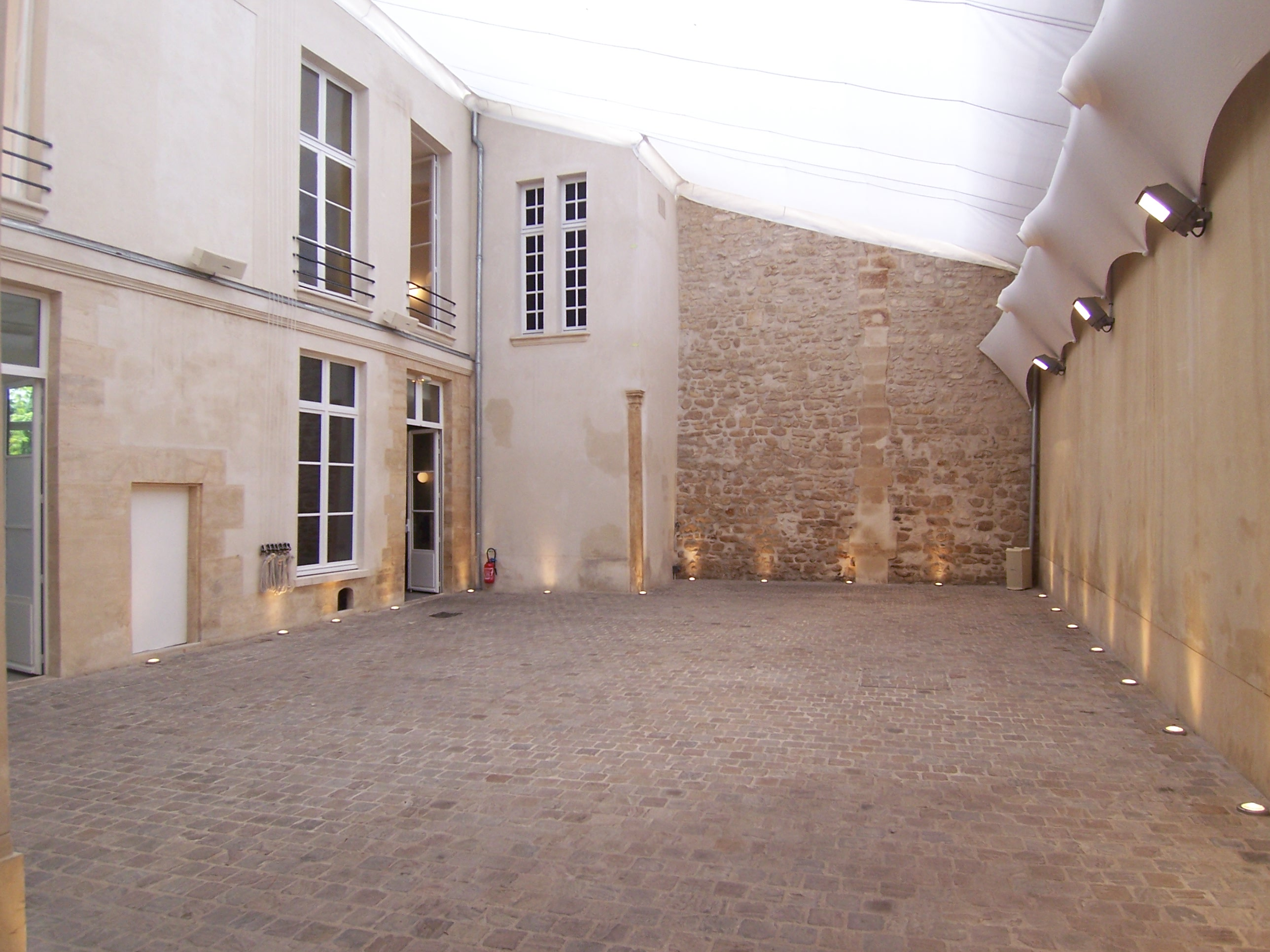 COUR 3